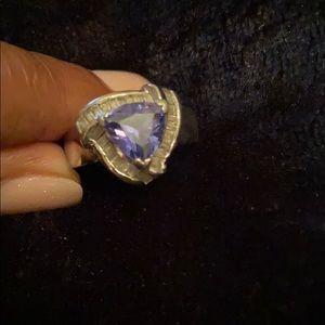 Ladies tanzanite ring. Sz 7 stamped .925 inside.